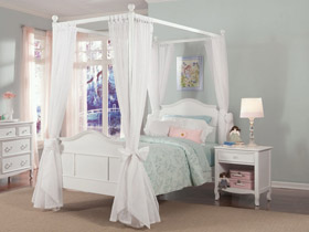 emma poster bed