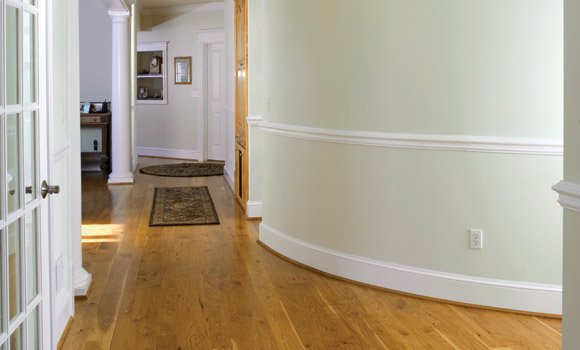 Curved hallway with Rehmeyer Pioneer Collection Hickory Flooring