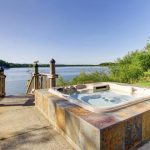 Should You Consider a Combination Pool and Hot Tub?