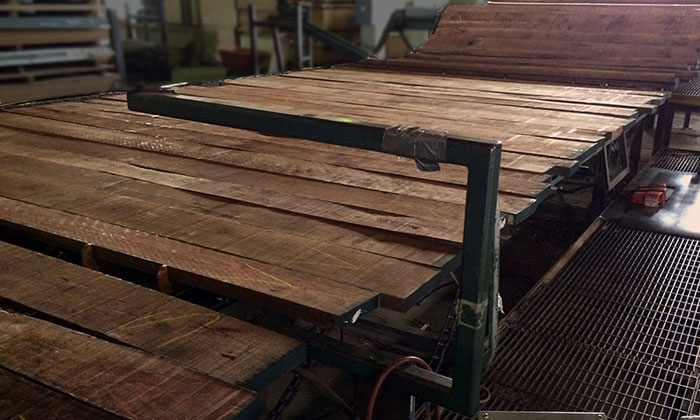 grading walnut lumber boards