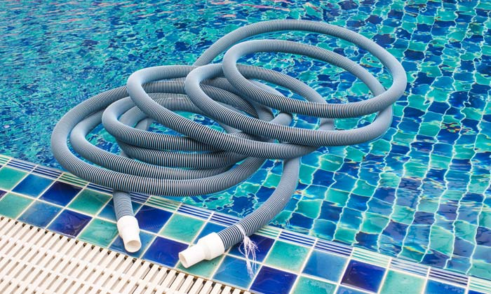 swimming pool cleaning maintenance