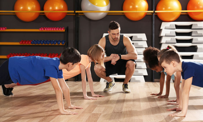 teacher timing children pushups